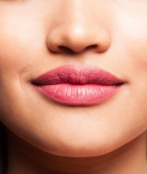 Comment atténuer les rides autour des lèvres ?